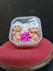 dolls house accessories 2x very cute babies 1.12th SA