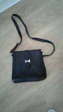 VGC BLACK LEATHER SHOULDER BAG BY TOM & EVA