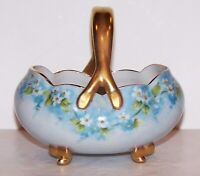 LOVELY VINTAGE HAND PAINTED WHITE & BLUE FLOWERS WITH GOLD TRIM PORCELAIN BASKET