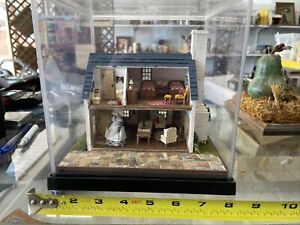 Dollhouse Miniature The Quarter 1:48 Great Attention To Detail