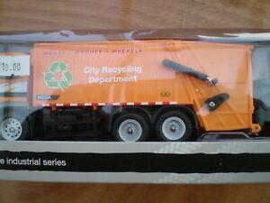 Realtoy 090311 Dustcart