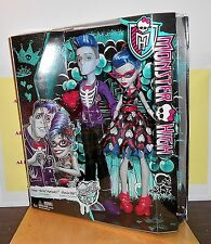 2015 MONSTER HIGH - LOVE'S NOT DEAD - SLO MO AND GHOULIA YELPS (EXCLUSIVE)