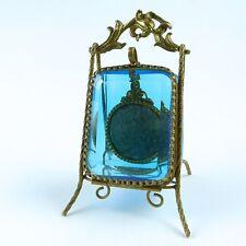 um 1880: Taschenuhrenständer Taschenuhr Halter  blaues Glas Messing vergoldet