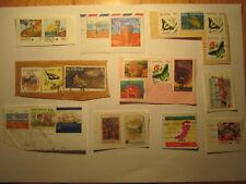 Australia Stamps Briefstücke teilw. Vollstempel diverse Jahre kleiner Posten