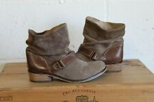 TAN BROWN SUEDE ANKLE WESTERN COWBOY BOOTS SIZE 4  37 BY MANTARAY USED CONDITION