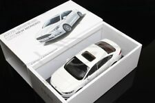 Diecast Car Model Ford New Mondeo 2017 1:18 (White) + GIFT!!