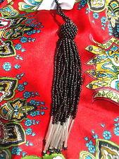 pompon en perles //noir et argent/ N°12