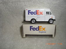 Fed Ex Express Diecast Metal 1/64 Scale Step Van Delivery Truck