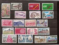 N°107-beau lot 19 timbres FRANCE oblit. années 1970 à 1973- oblitérés- voir N°