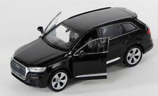 BLITZ VERSAND Audi Q7 schwarz / black Welly Modell Auto 1:34-39 NEU & OVP
