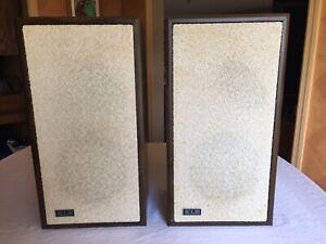 Pair of Vintage KLH Model 102 Speakers - Tested