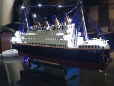 Titanic wood Model Ship Led / L.18�xH.10�xW.3.3/4†�