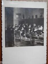 Vecchia foto d epoca fotografia antica SCUOLE ELEMENTARE FEMMINILE BANCHI di del