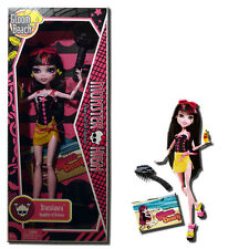 Monster High Gloom Beach Draculaura 11-Inch Fashion Doll - Mattel