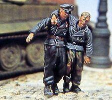 Jaguar 1/35 Wounded Panzer Crew German Tank Commander w/Soldier (2 Figs.) 63001