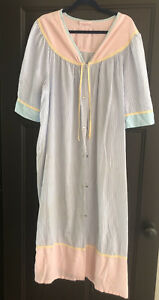 Vintage Just For Women Snap Up Pinstripe Robe Size 18/20