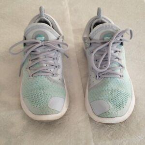 Nike Joyride Run Flyknit Running Shoes Sneakers (gray w teal tint) Women Size 7
