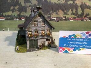👍Diorama Bauernhaus Haus mit Storchennest Gehöft gealtert patiniert H0 1:87👍