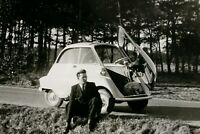1x Foto Auto Oldtimer ISO BMW Isetta 1950-1960er geöffnete Tür Technik Kult Car