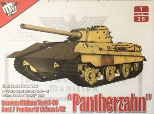 Modelcollect UA35015 - 1/35 German Panther III Ausf.F 10.5cm L/52 E-50 Tank