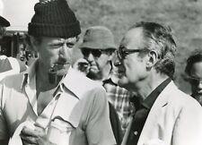 JOHN GUILLERMIN DINO DE LAURENTIIS PHOTO DE PRESSE CINEMA