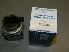 IDEC ASD2L20N TWTD Series Selector Switch 30mm 2NO+0NC 2 POS Maintained Round