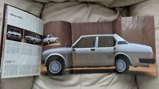 Alfa Romeo Alfetta 2.0 1981 car sales brochure Italian text/ Silver car