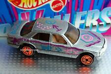 Hot Wheels Revealers Mercedes Benz 380 SEL