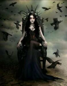 QUEEN OF THE CROWS CROSS STITCH CHART BN! (F042)
