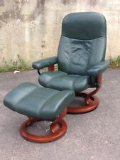 EKORNES STRESSLESS RECLINING ARMCHAIR & STOOL IN GREEN LEATHER