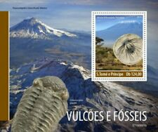 St Thomas - 2019 Volcanoes and Fossils - Stamp Souvenir Sheet - ST190601b