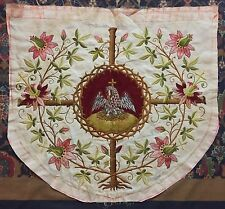 Antiguo Francés 19TH-Century Bordado Pelican Hebilla religiosa
