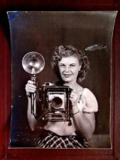 Vintage 1950's 8x10 Original PHOTO WOMAN CAMERA Lil' Audrey & The Pacemaker USA