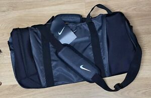 RARE!! Unisex Nike TG0240 Large Adult Duffel Bag