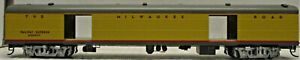 WALTHERS 932-9291 HIAWATHA YELLOW SCHEME MILW RD EXPRESS CAR HO SCALE