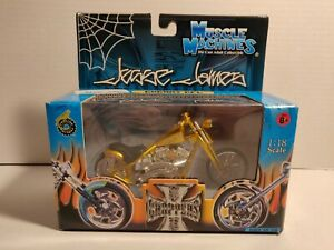 Jesse James Muscle Machines 1:18 Scale Die Cast West Coast Choppers  Cherry CFL