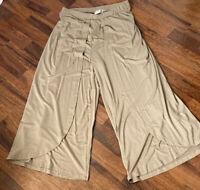 Good Luck Jem Women's Cropped Open Casual Pants Beige Sz M S29