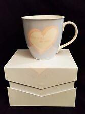 Jumbo Tasse Love is / blau Kaffeebecher in Geschenkverpackung / Porzellan Liebe