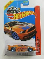 HOT WHEELS 2014 HW RACE - TRACK ACES '13 FORD MUSTANG GT