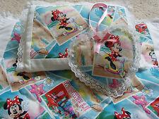 Fatto a mano bambole LENZUOLA CARROZZINA COPERTA TRAPUNTA, Cuscino & Heart charm set-Minnie