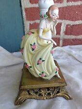 VINTAGE BOUDOIR ART DECO GERMANY PORCELAIN LADY ROSES FIGURINE GOLD ORMOLU LAMP