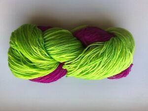 (5,00 € / 100 g) handgefärbte 8-fach 200g Sockenwolle neongrün und fuchsia
