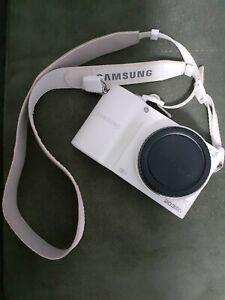 Samsung NX 100 Digital Camera + 18-55mm OIS ||| mm Lens ( WHITE)