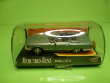 NEW-RAY 48429 MERCEDES BENZ 350SL 1971 - GREEN 1:43 - GC IN SHOW-CASE