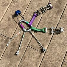 Climbing equipment: 2 Cams; 3 Stoppers; 1 Belay Device; Spring Lock Carabiners.