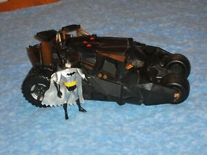 Batman Begins Batmobile Vehicle H1387 w/ Batman Figure