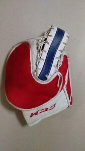 CCM Youth Street Hockey Padded Goalie Catchers mitt glove left hand