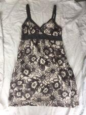 Vestido solera de Algodón Floral VINCE 6 Gris 32 usado en muy buena condición bastante!