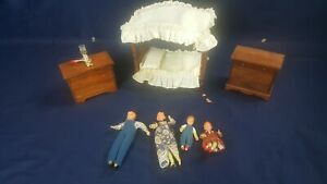 Lot 8 Pc Halls Lifetime Toys Dollhouse Wooden Canopy Bed Dresser Lamp People
