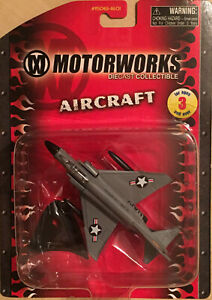 Maisto Motorworks #15061-1601 F-4 Phantom Diecast Collectible Aircraft
